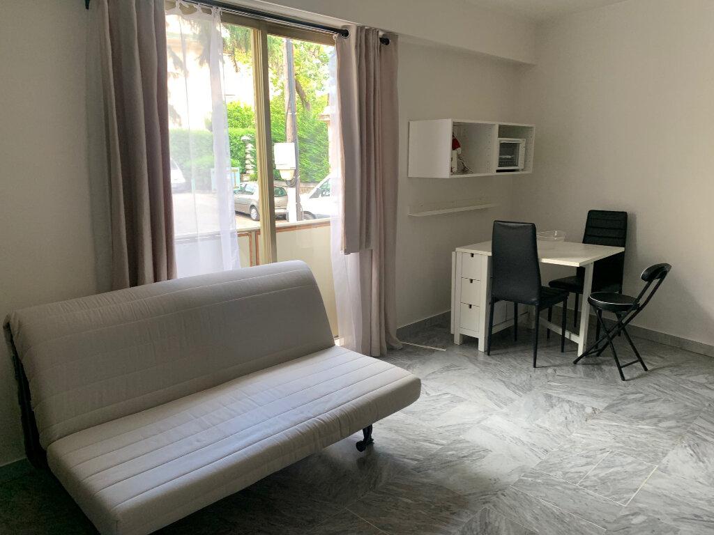 Appartement à louer 1 30m2 à Nice vignette-10