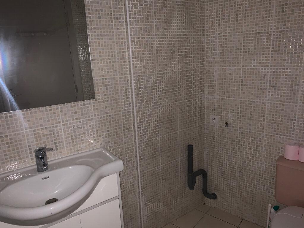 Appartement à louer 1 30m2 à Nice vignette-14