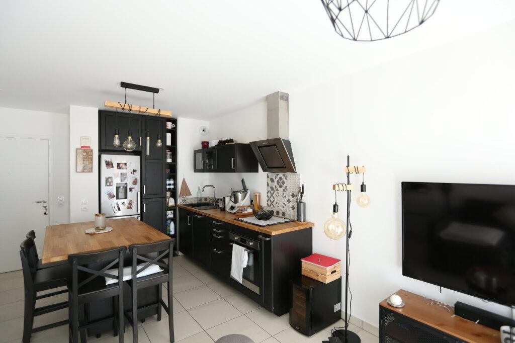 Appartement à louer 2 39.05m2 à Carros vignette-2