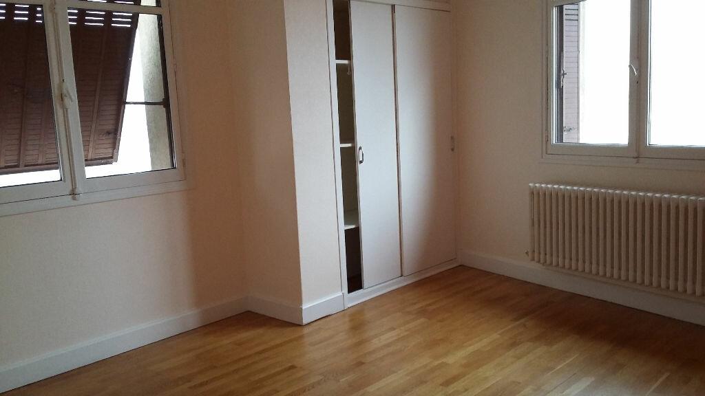 Appartement à louer 4 73m2 à Les Échelles vignette-1