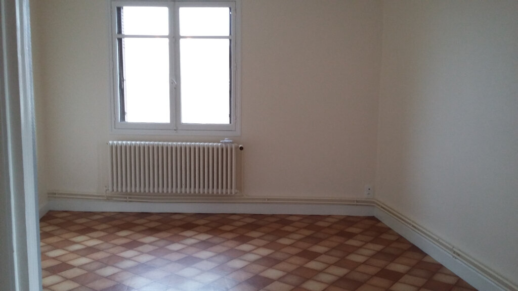 Appartement à louer 4 73m2 à Les Échelles vignette-2