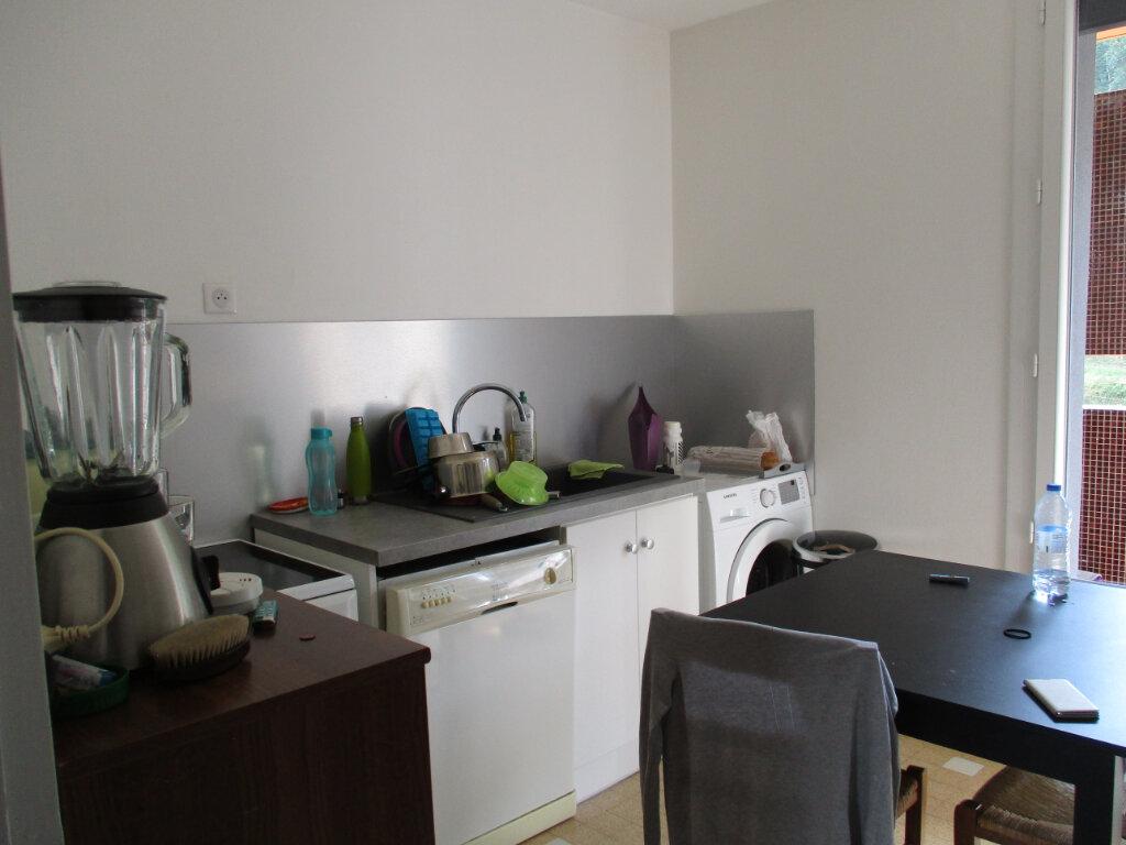 Appartement à louer 5 81.45m2 à Les Échelles vignette-4