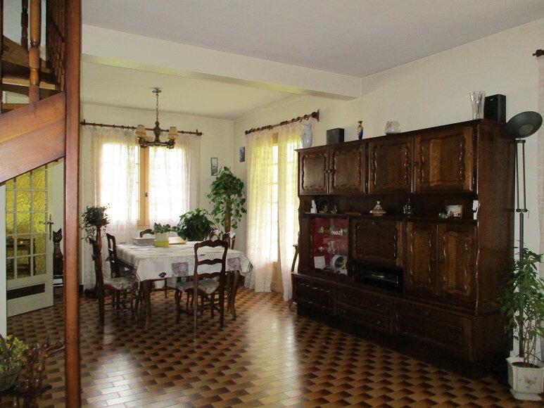 Maison à vendre 6 175m2 à Saint-Laurent-du-Pont vignette-2