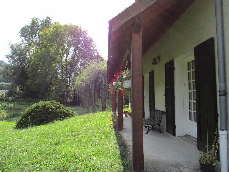 Maison à vendre 6 175m2 à Saint-Laurent-du-Pont vignette-4