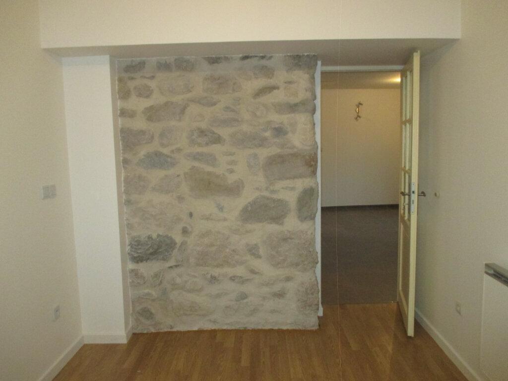 Appartement à louer 1 37.5m2 à Saint-Laurent-du-Pont vignette-4