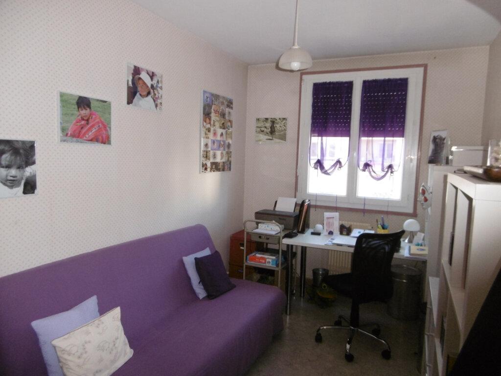 Appartement à vendre 4 74m2 à Chalon-sur-Saône vignette-4