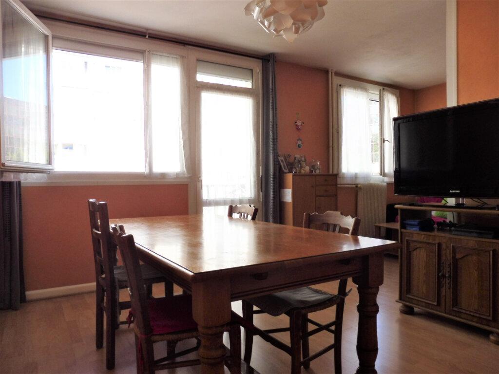 Appartement à vendre 4 70m2 à Chalon-sur-Saône vignette-1