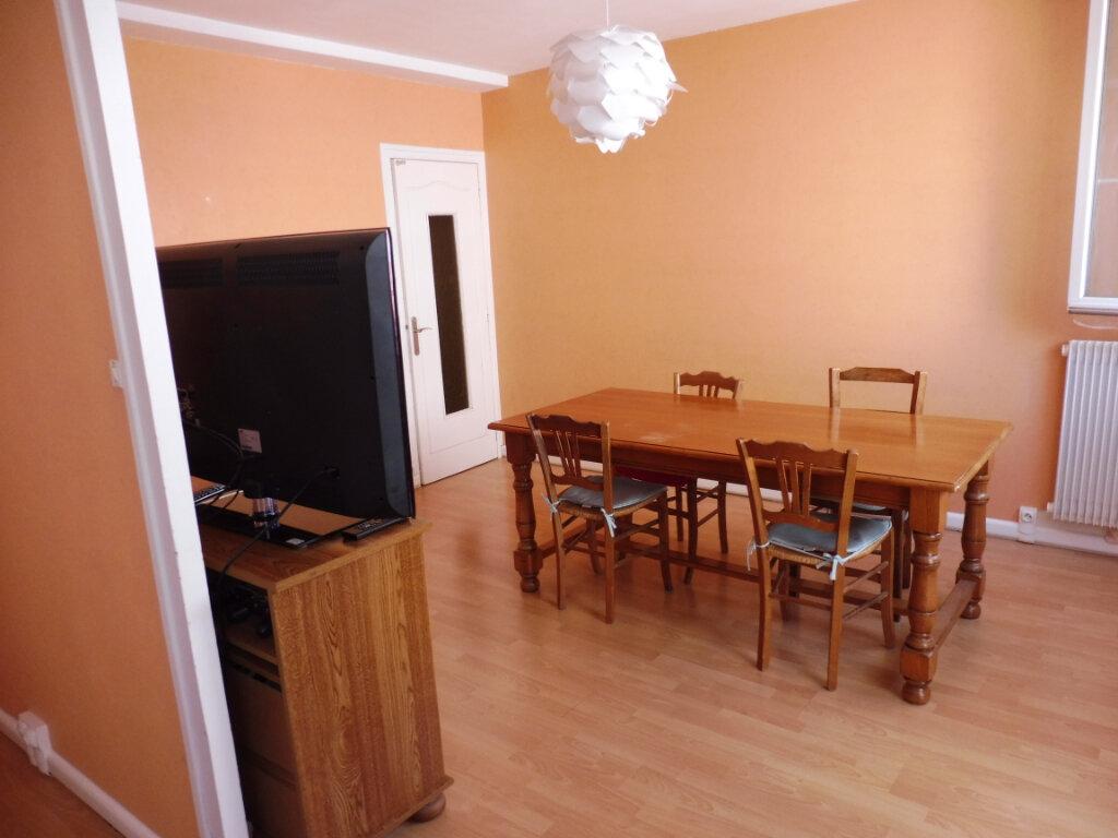 Appartement à vendre 4 70m2 à Chalon-sur-Saône vignette-3