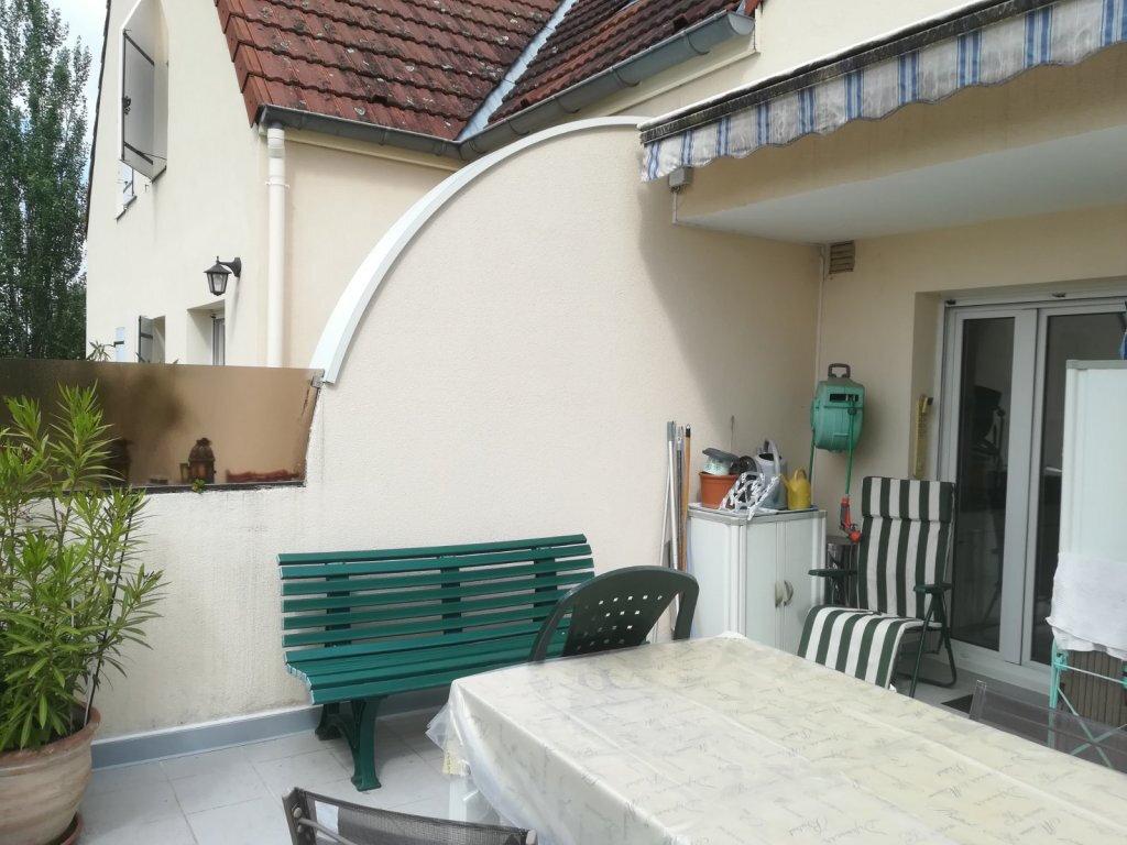 Appartement à vendre 5 142m2 à Chalon-sur-Saône vignette-2