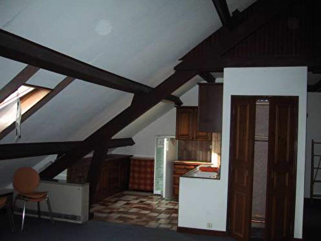 Appartement à louer 3 80m2 à Saint-Christophe-Vallon vignette-2