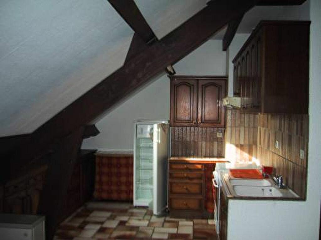 Appartement à louer 3 80m2 à Saint-Christophe-Vallon vignette-3