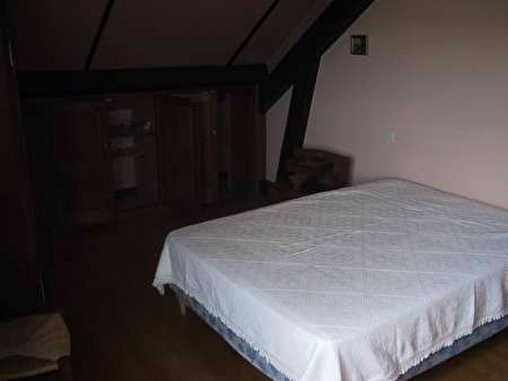 Appartement à louer 3 80m2 à Saint-Christophe-Vallon vignette-5
