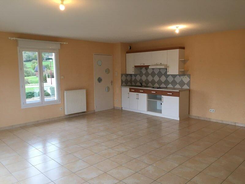 Appartement à louer 3 73.3m2 à Saint-Christophe-Vallon vignette-3