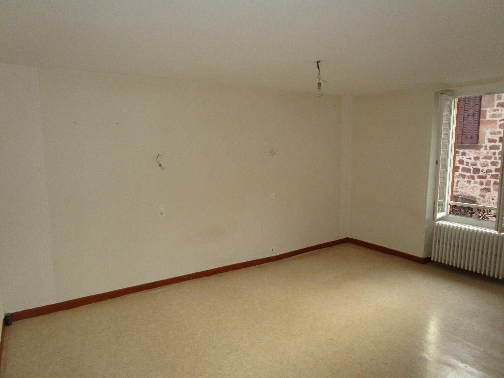 Appartement à louer 3 55.37m2 à Marcillac-Vallon vignette-4