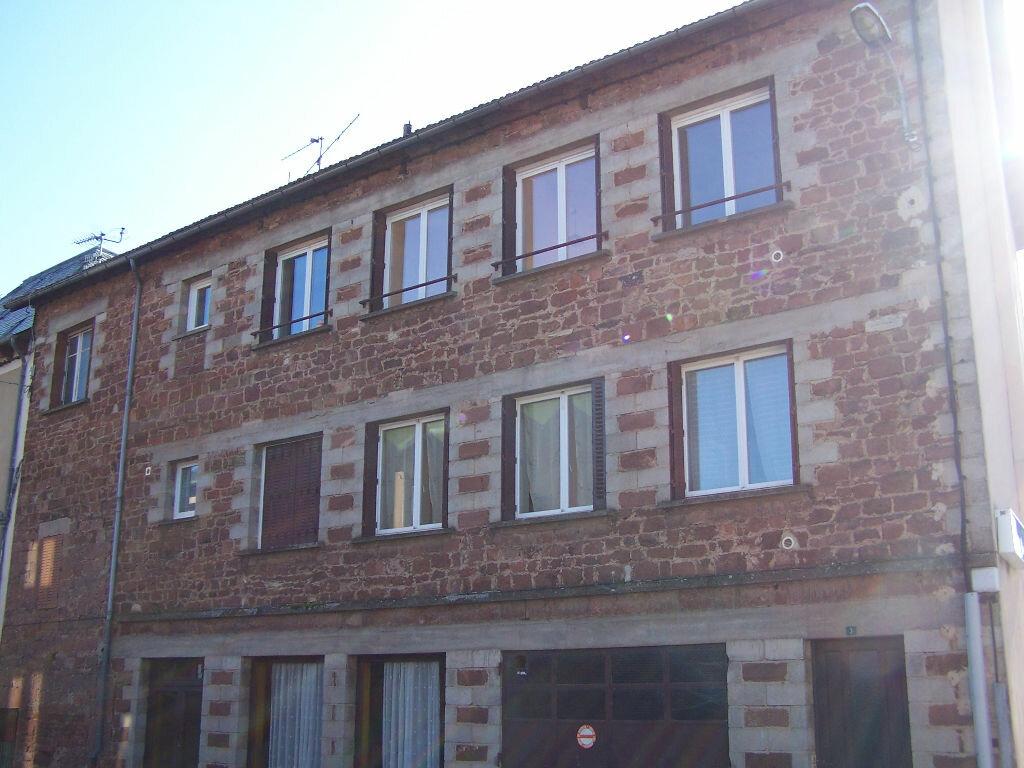Appartement à louer 4 77m2 à Saint-Christophe-Vallon vignette-1
