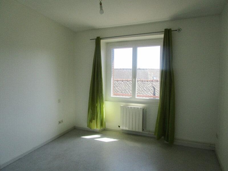Appartement à louer 4 77m2 à Saint-Christophe-Vallon vignette-7