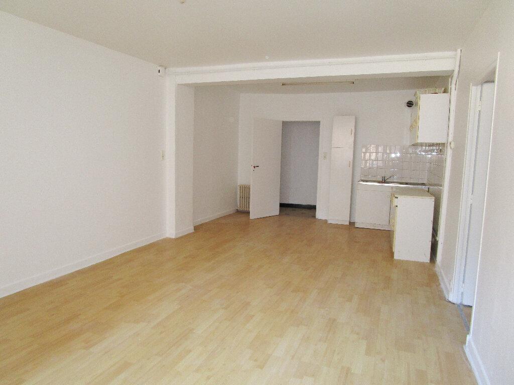 Appartement à louer 4 74m2 à Marcillac-Vallon vignette-2