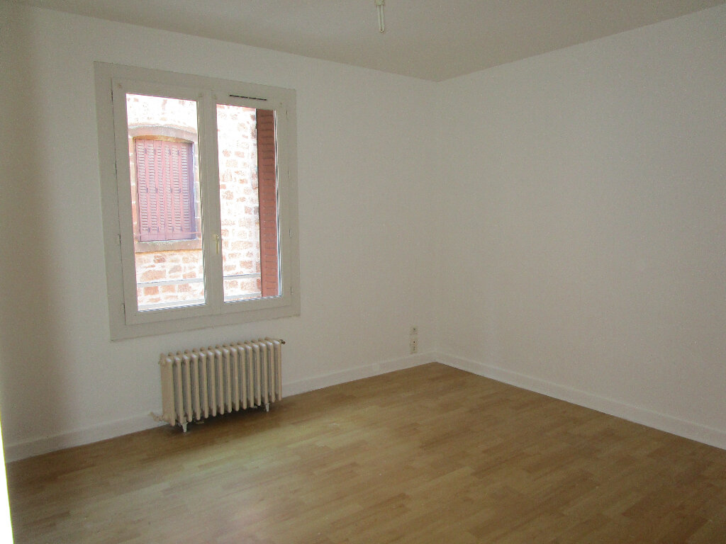 Appartement à louer 4 74m2 à Marcillac-Vallon vignette-4