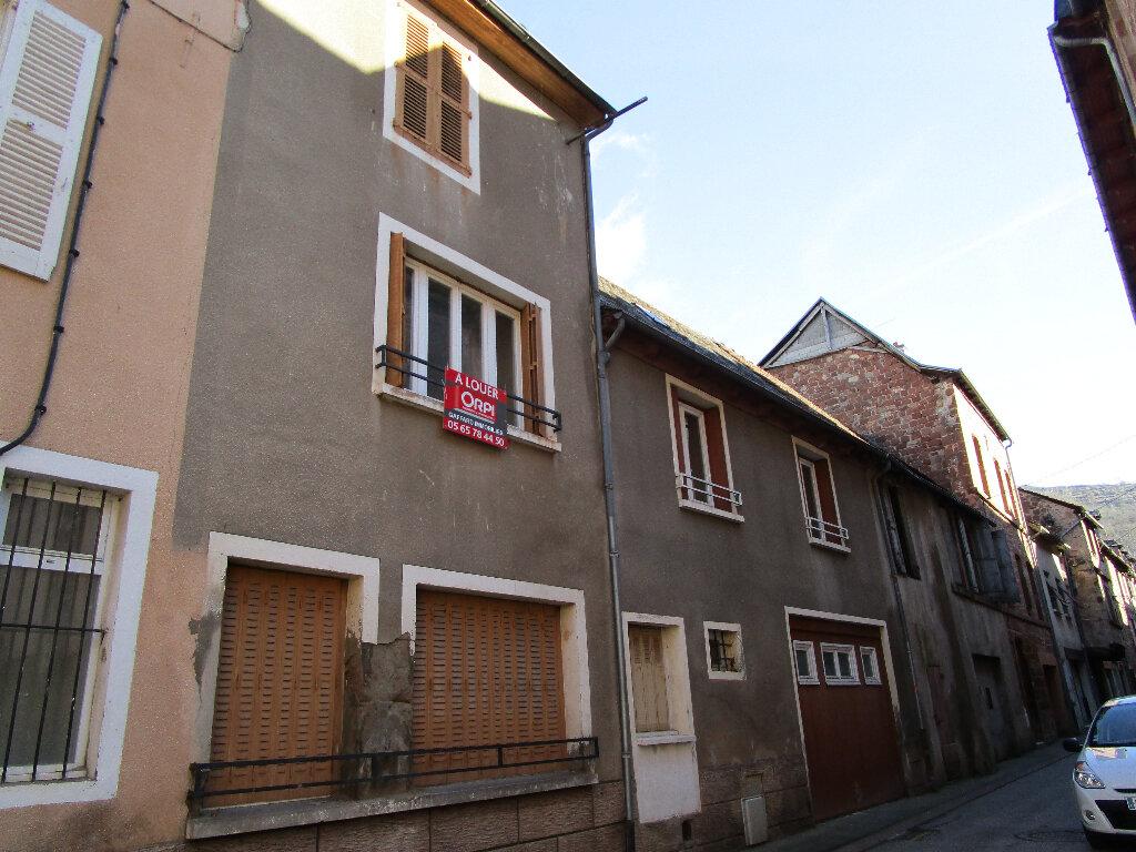 Appartement à louer 4 74m2 à Marcillac-Vallon vignette-5