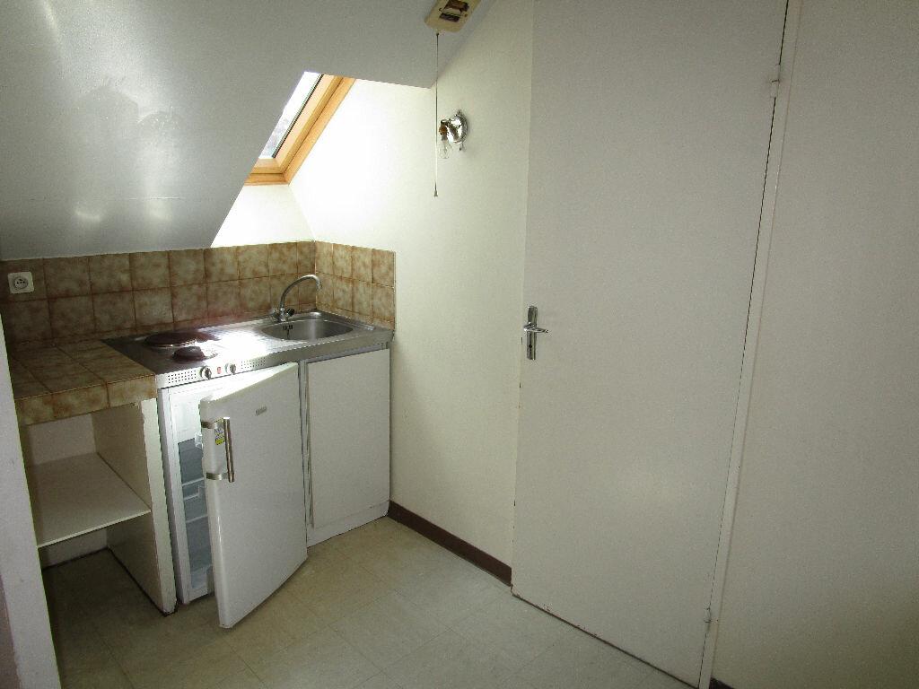 Appartement à louer 1 15.38m2 à Rodez vignette-1