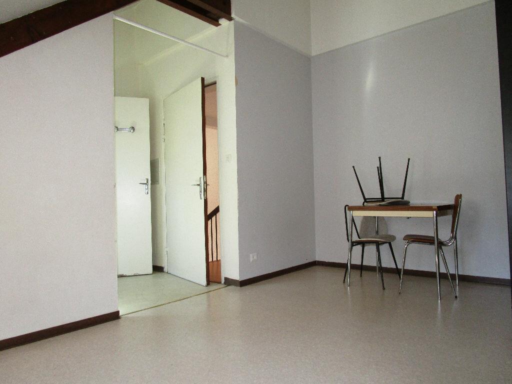 Appartement à louer 1 15.38m2 à Rodez vignette-4