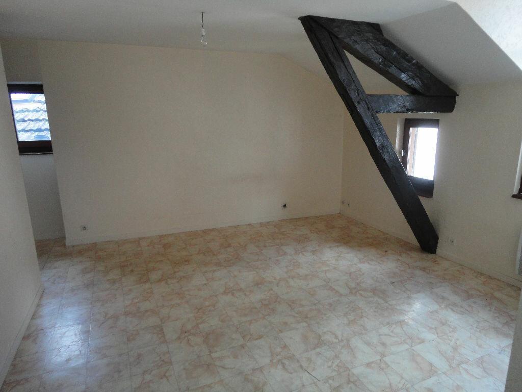 Appartement à louer 2 34m2 à Villefranche-de-Rouergue vignette-1