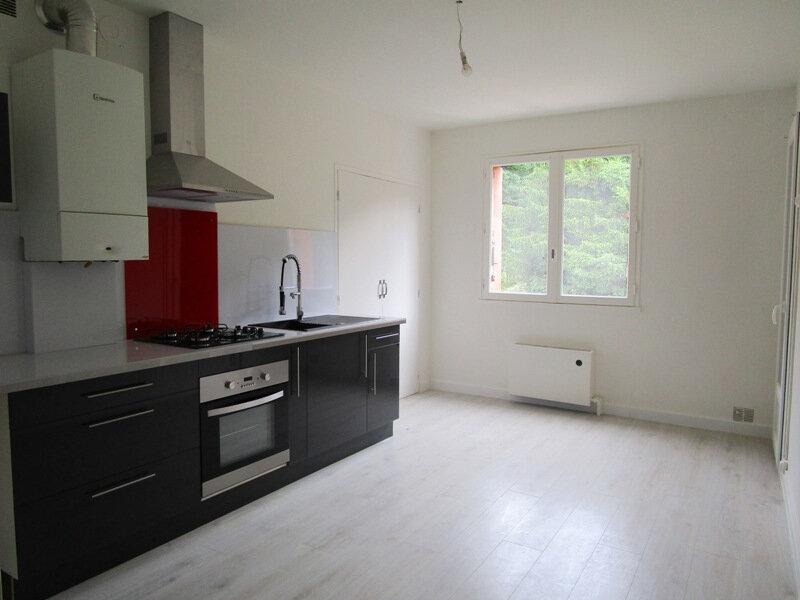 Appartement à louer 3 83m2 à Decazeville vignette-1