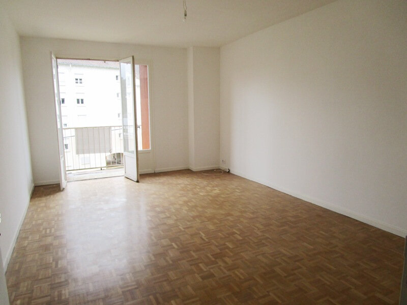 Appartement à louer 3 83m2 à Decazeville vignette-2