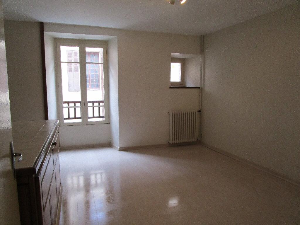 Appartement à louer 2 55m2 à Marcillac-Vallon vignette-1