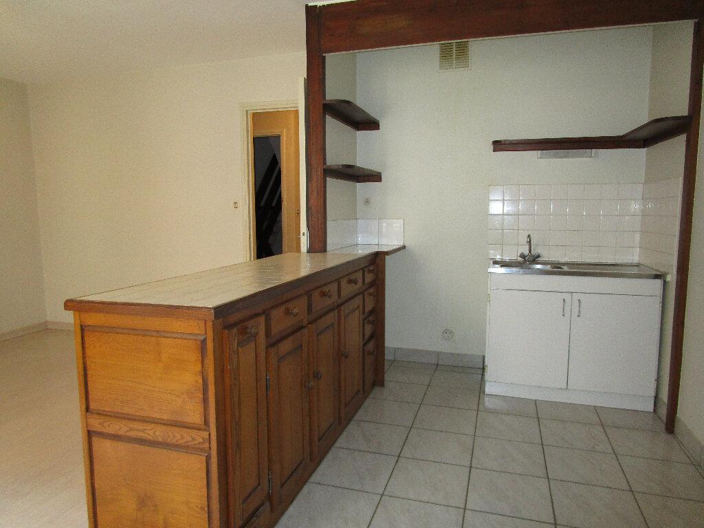 Appartement à louer 2 55m2 à Marcillac-Vallon vignette-2