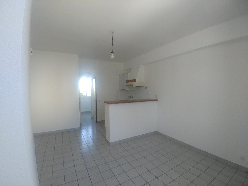Appartement à louer 1 31.81m2 à Rodez vignette-2