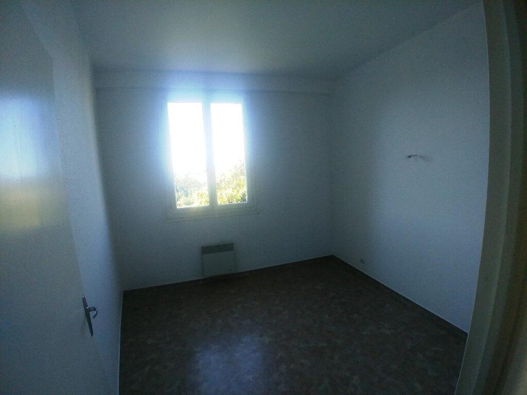 Appartement à louer 2 31.81m2 à Rodez vignette-3