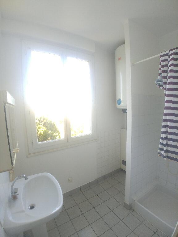 Appartement à louer 1 31.81m2 à Rodez vignette-4
