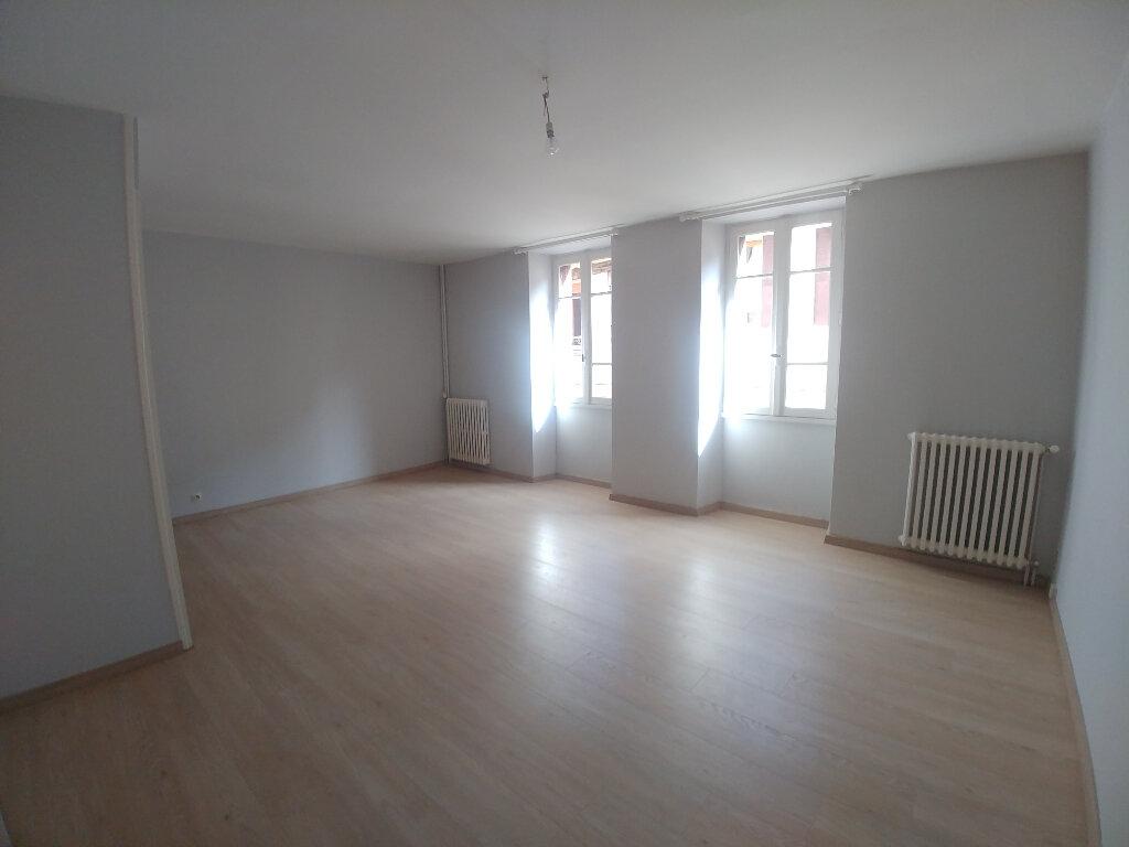 Appartement à louer 2 43m2 à Marcillac-Vallon vignette-1