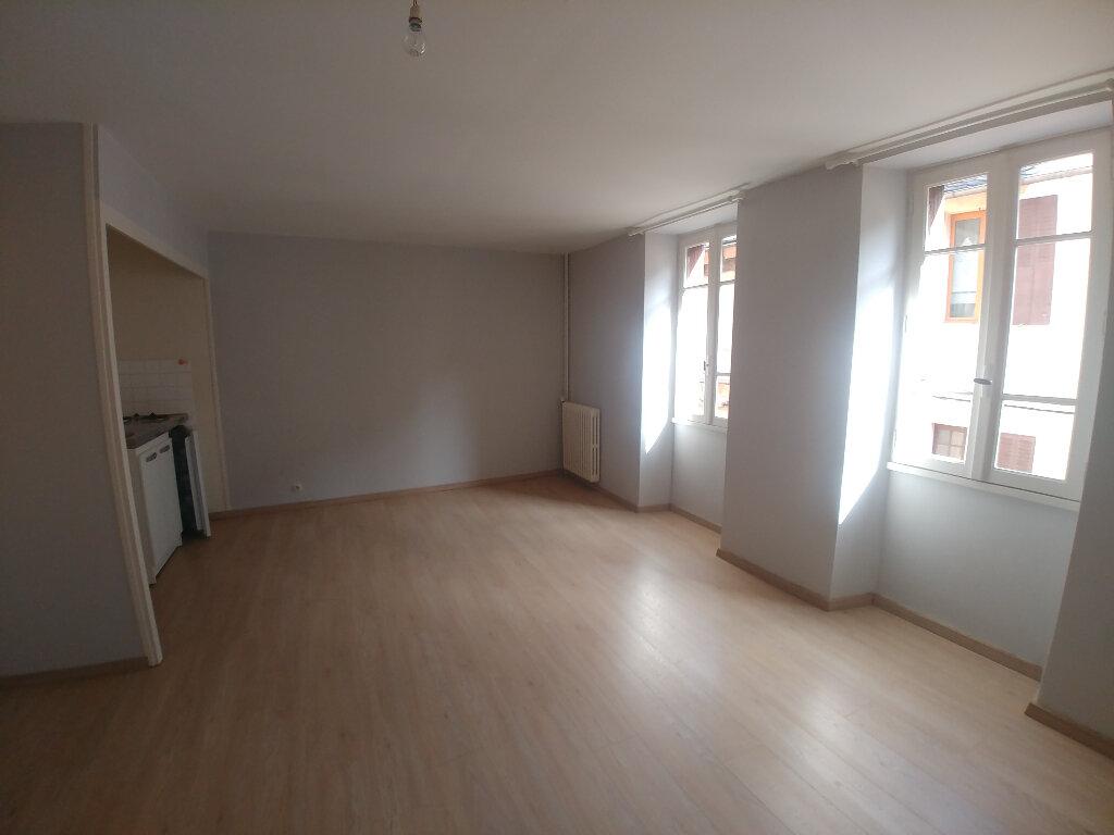 Appartement à louer 2 43m2 à Marcillac-Vallon vignette-2
