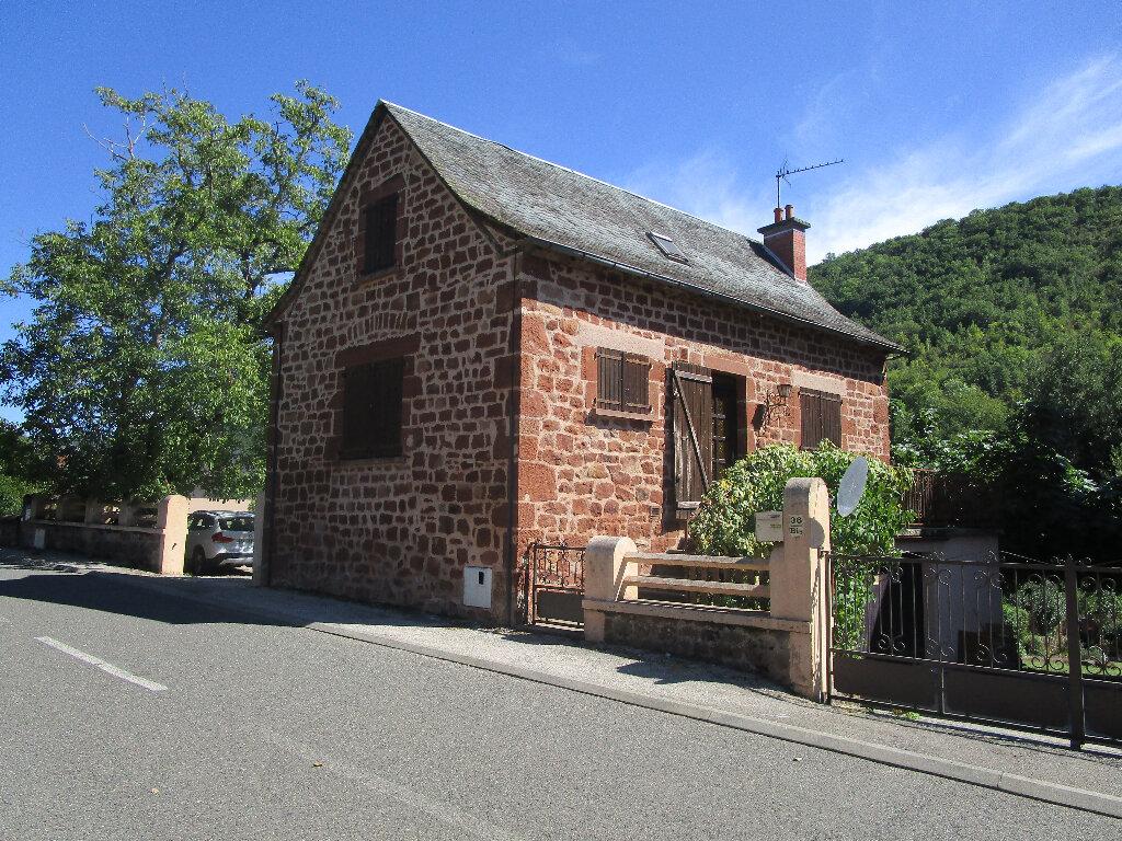 Maison à louer 4 85m2 à Marcillac-Vallon vignette-3