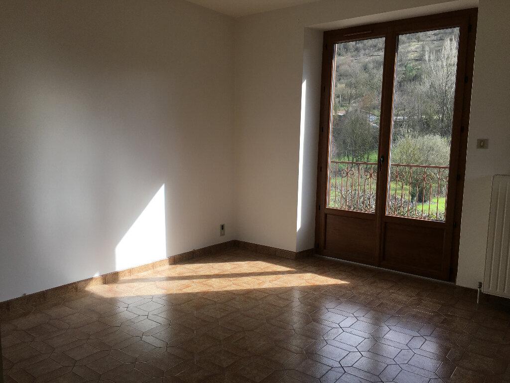 Maison à louer 4 85m2 à Marcillac-Vallon vignette-6