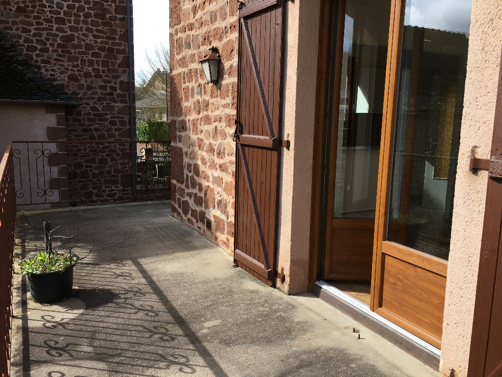 Maison à louer 4 85m2 à Marcillac-Vallon vignette-7