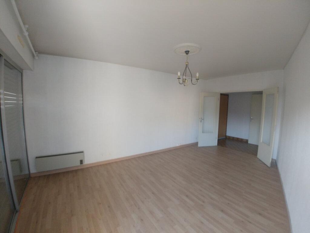 Appartement à louer 3 76.55m2 à Rodez vignette-1