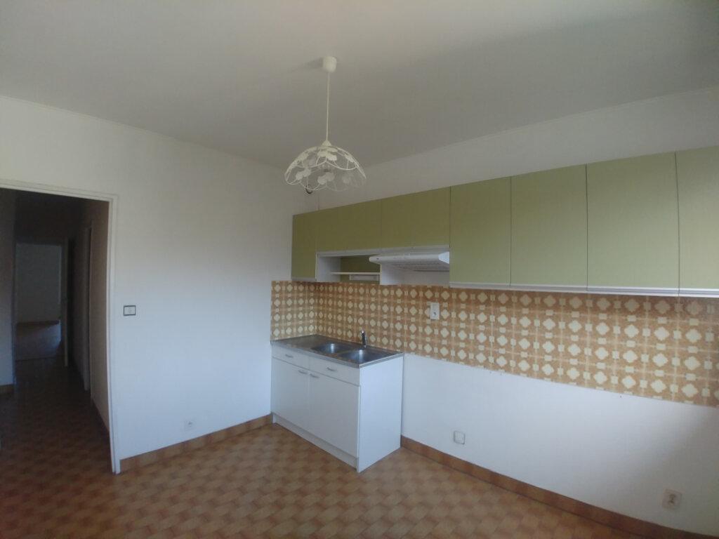 Appartement à louer 3 76.55m2 à Rodez vignette-2
