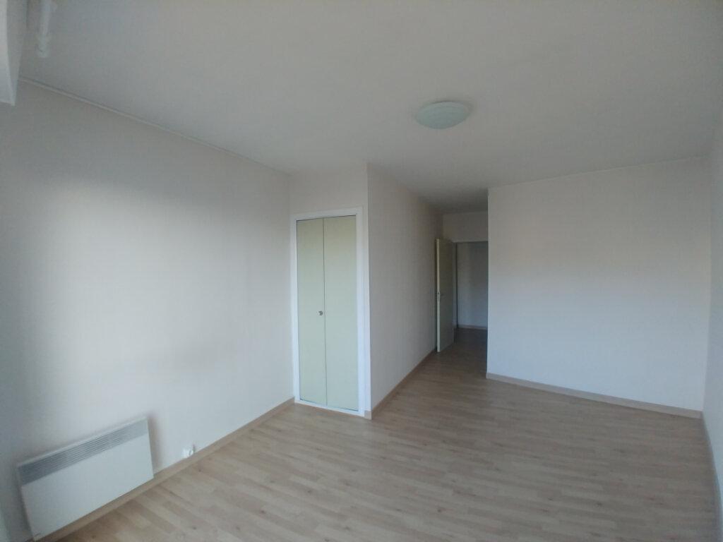 Appartement à louer 3 76.55m2 à Rodez vignette-4