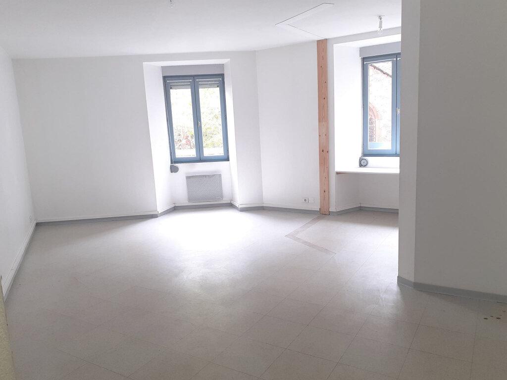 Appartement à louer 2 38m2 à Marcillac-Vallon vignette-2