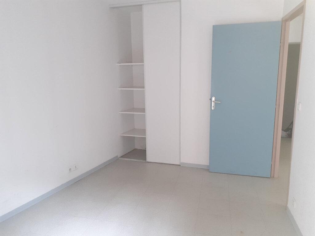 Appartement à louer 2 38m2 à Marcillac-Vallon vignette-3