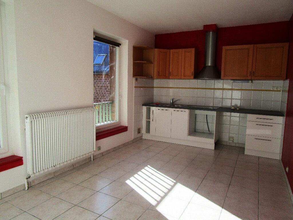 Appartement à louer 4 100m2 à Marcillac-Vallon vignette-4