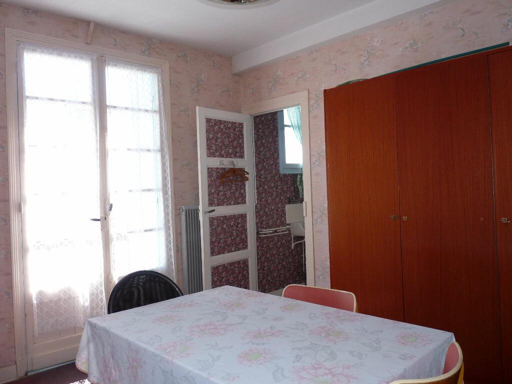 Appartement à vendre 3 66m2 à Royan vignette-1