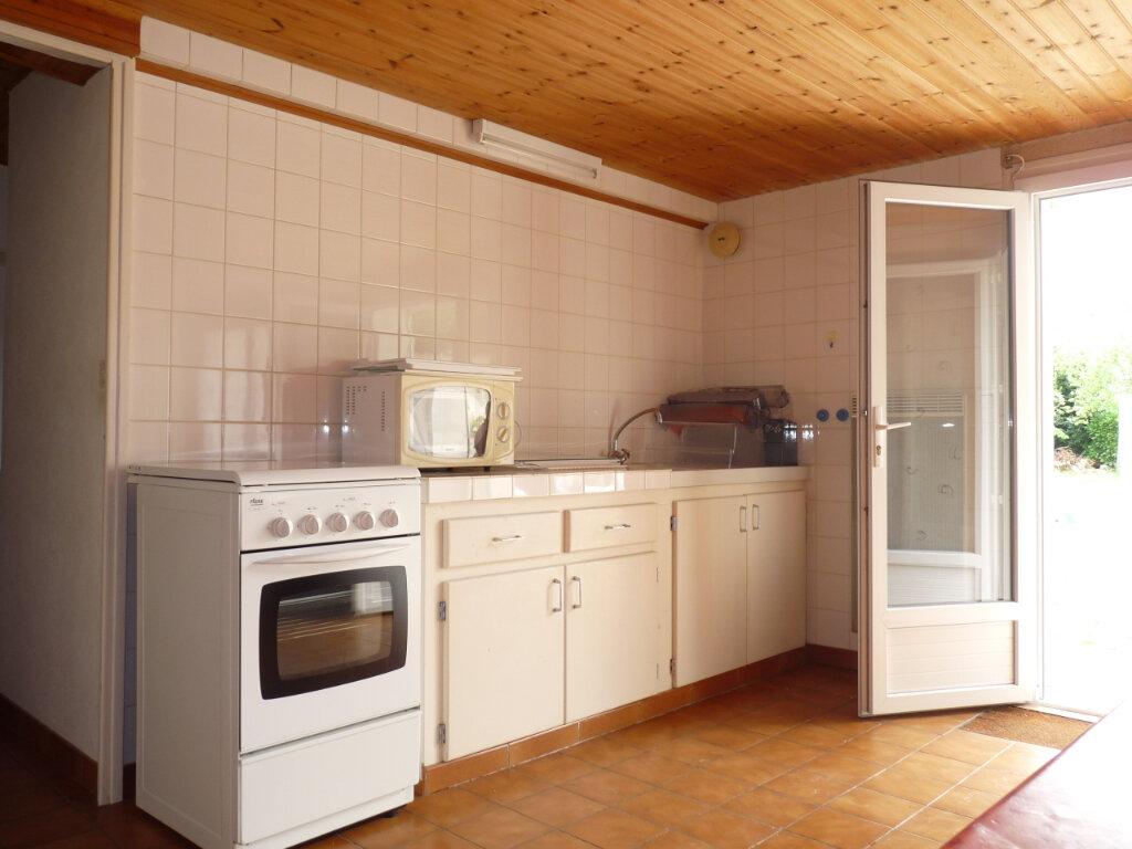 Maison à vendre 2 33m2 à Saint-Georges-de-Didonne vignette-2