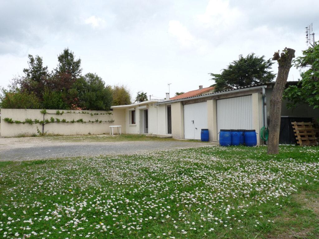 Maison à vendre 2 33m2 à Saint-Georges-de-Didonne vignette-6