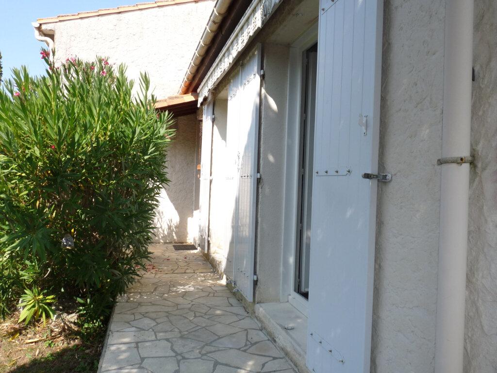 Maison à vendre 5 112m2 à Saint-Georges-de-Didonne vignette-2