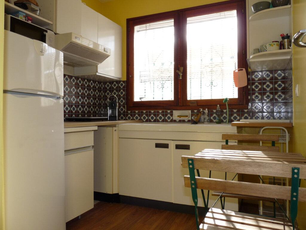 Appartement à vendre 2 49.12m2 à Royan vignette-6