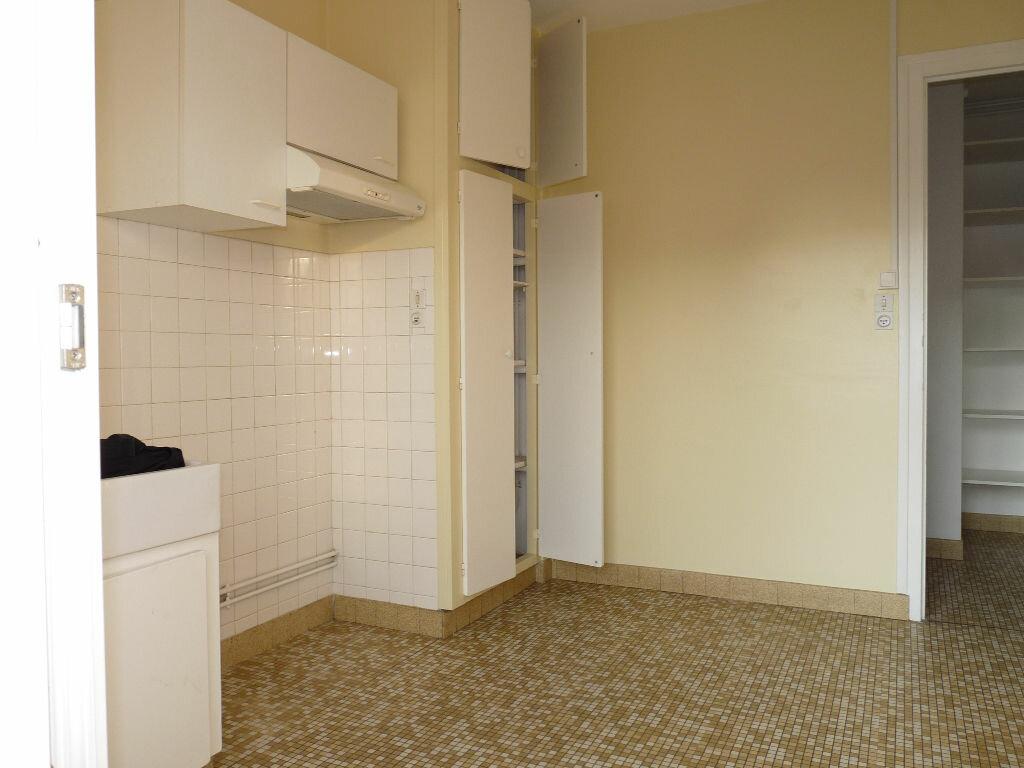 Appartement à vendre 4 70.63m2 à Royan vignette-6